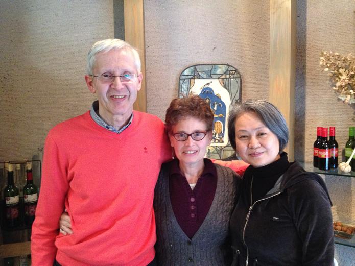 Bert Terpstra, mathematician & Constellation facilitator, Olivia Fermi, Hisako Morioka, Constellation facilitator (l to r), Tokyo, November 2014.